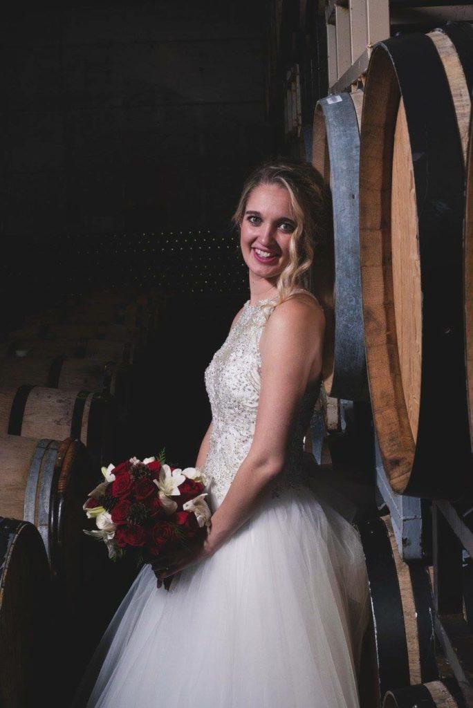 wedding_red_bride_barrels